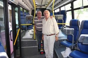 15-12_Coche-Escuela-con-Ministro-transporte-Guillermo-Dietrich_03